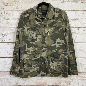 Love tree camo distressed zip up jacket